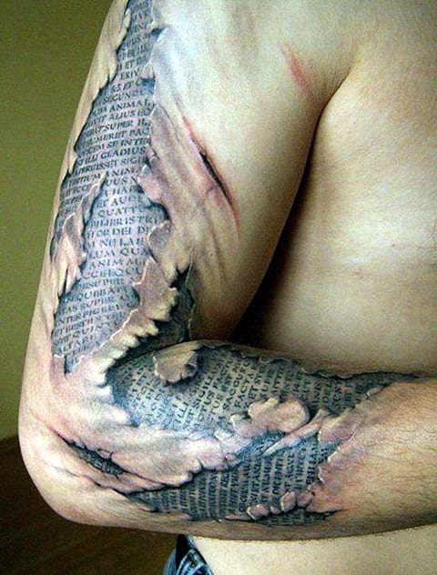 3D татуировка на руке у мужчины
