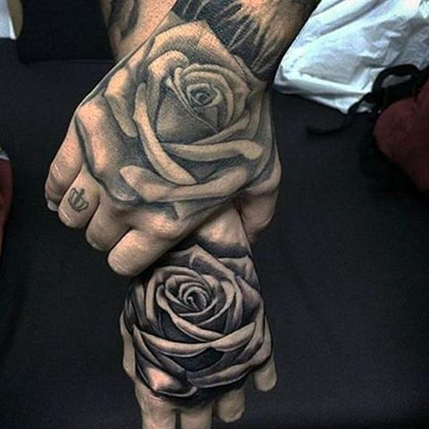 3Д татуировки с розами на кистях