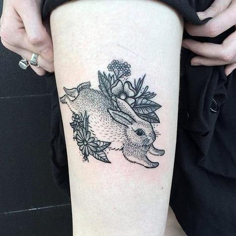 Татуировка заяц в траве