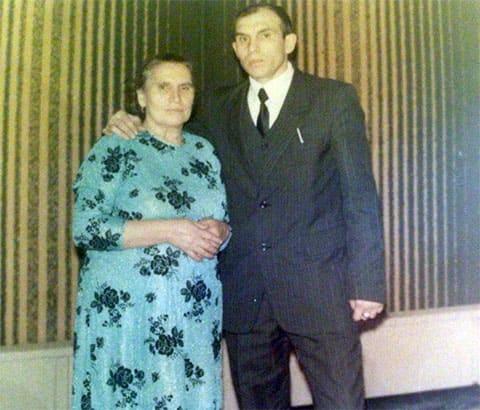 Вор в законе Виктор Коростылев с мамой