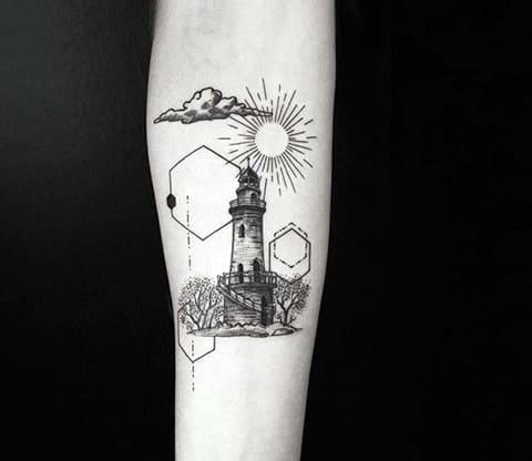 Тату маяк на руке - фото