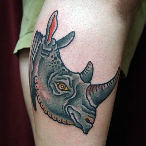 Цветная тату с носорогом