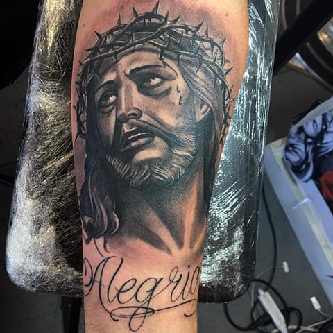 Тату Иисус Христос с терновым венком