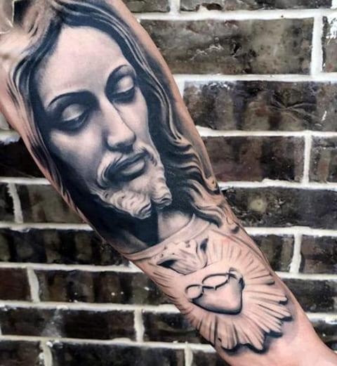 Тату Иисус Христос на руке