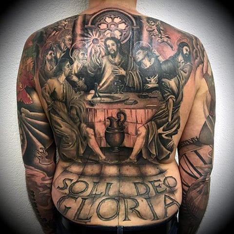 Тату Иисус Христос на спине - фото