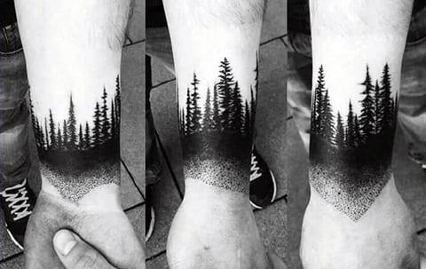 Тату на запястье - лес