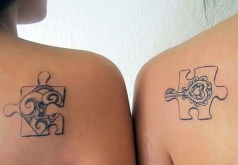 Татуировка с пазлами для двоих