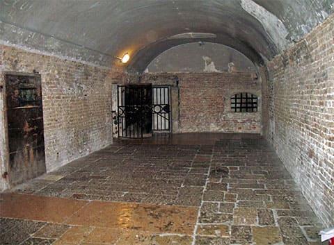 Итальянская тюрьма середины XIX века
