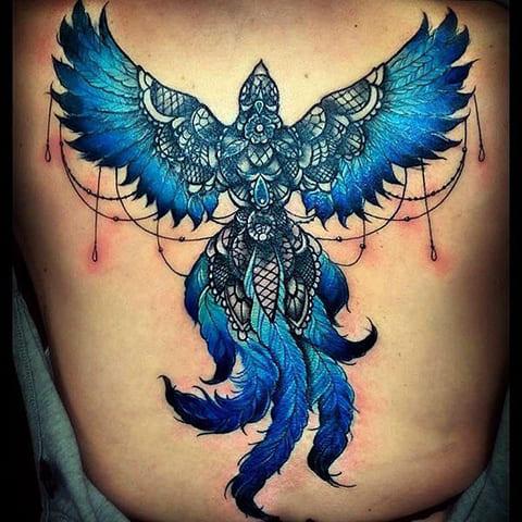Татуировка феникс на спине для девушек