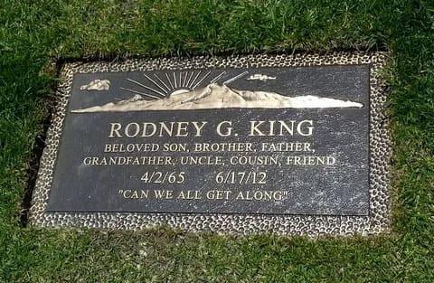 Могильная плита Родни Кинга