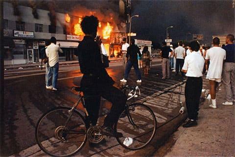 Беспорядки в Лос-Анджелесе после избиения Родни Кинга полицейскими