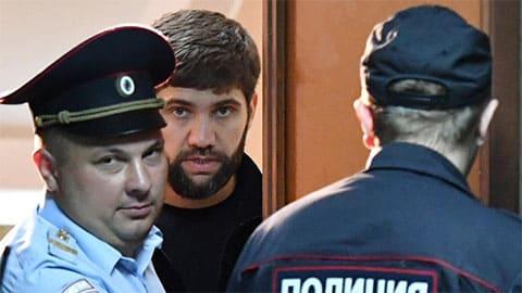 Подозреваемый в убийстве бизнесмена Шабтая Калмановича Али Белхороев во время избрания меры пресечения в Пресненском суде Москвы