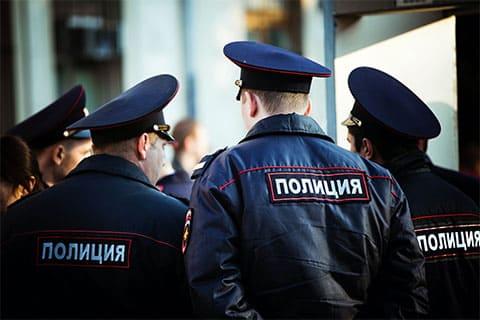Полицейский мафиози Сенга Кичиков