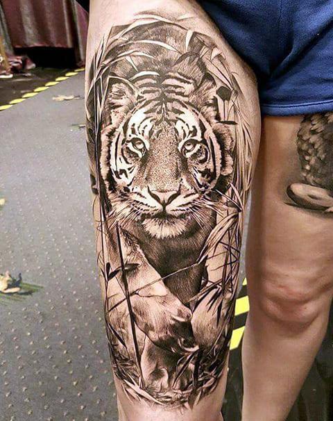 Тату крадущийся тигр
