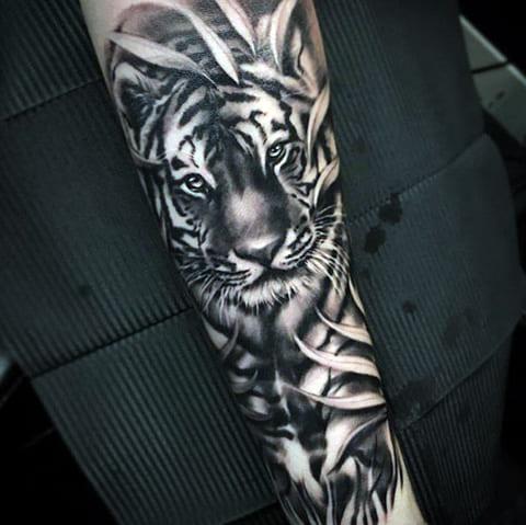 Татуировка с тигром