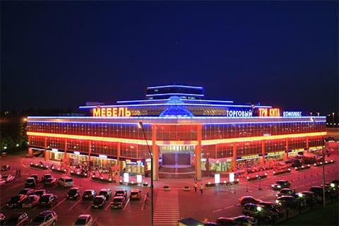Рейдерский захват торгового центра в Москве