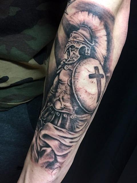 Татуировка с гладиатором