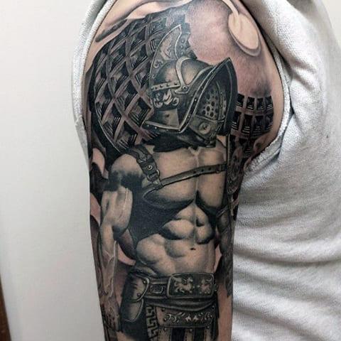 Татуировка гладиатор на руке