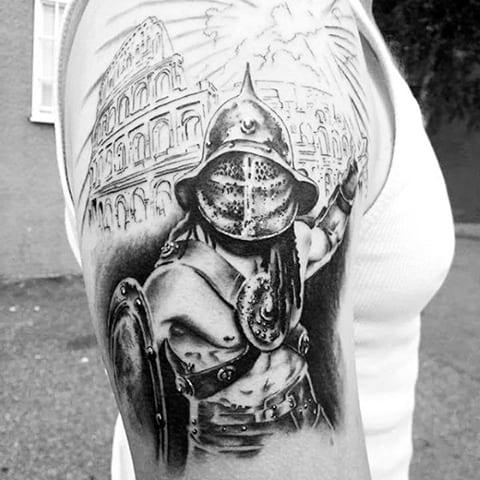 Тату гладиатор на плече
