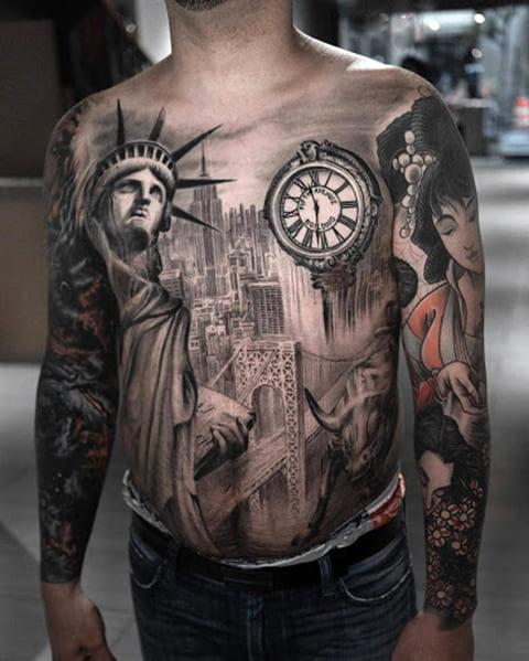 Сюжетная татуировка со Статуей Свободы