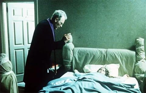 """Кадр из фильма """"Экзорцист"""", 1973 года"""
