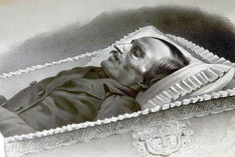 Николай Гоголь в гробу