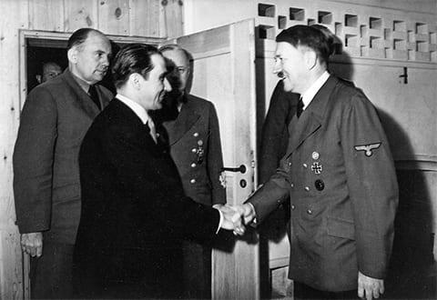 Адольф Гитлер и Михай Антонеску в 1942 году