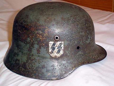 Немецкий шлем времен Второй мировой войны