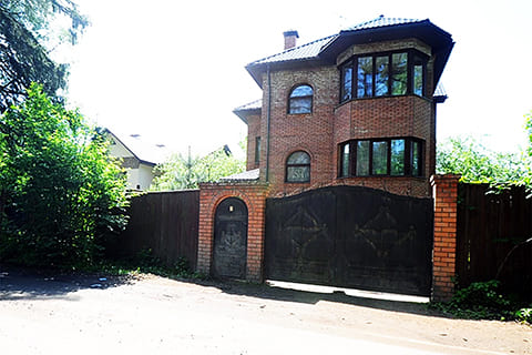 Место, где был убит Михаил Кравченко