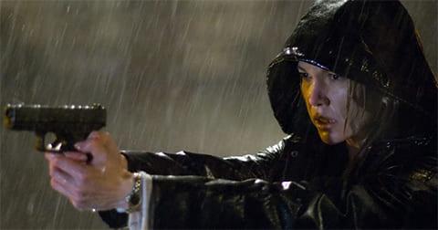 """Кадр из фильма """"Не оставляющий следа"""" (2008)"""