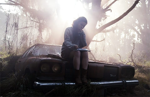 """Кадр из фильма """"Зловещие мертвецы: Черная книга"""" (2013)"""