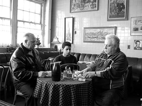 """Кадр из фильма """"Кофе и сигареты"""" (2004)"""