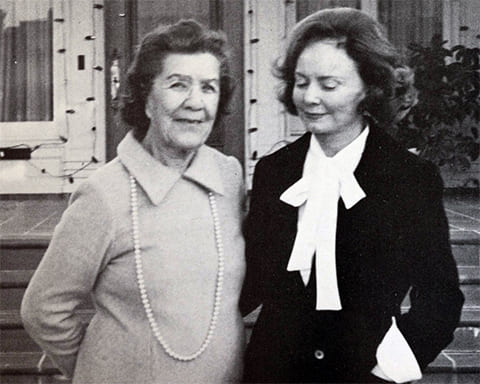Слева: Матрена Распутина