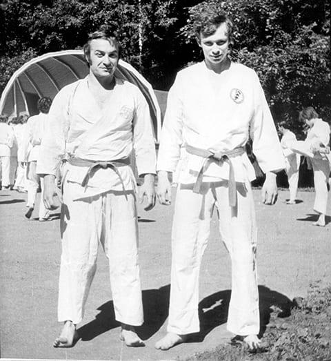 Слева: Мансур Шелковников