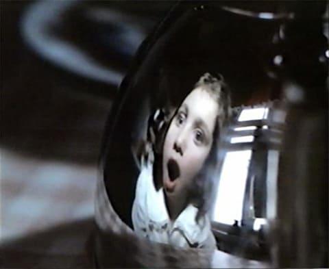 """Кадр из фильма """"Прикосновение"""" (1992)"""