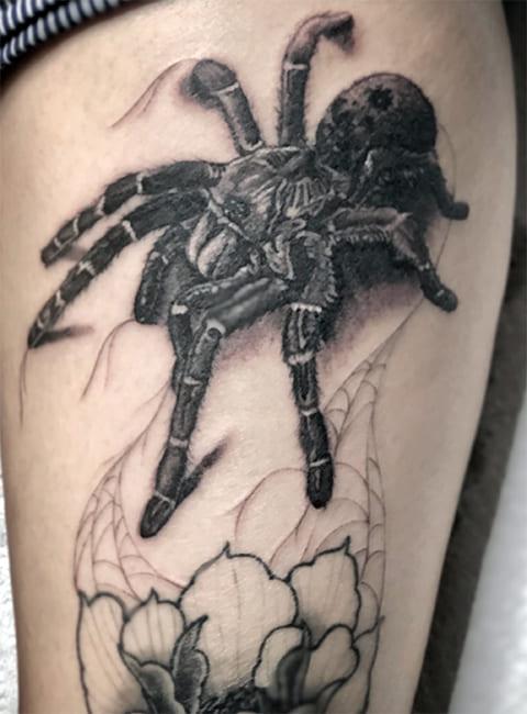 Татуировка с тарантулом