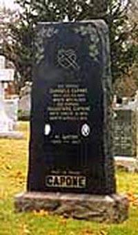 Памятник Аль Капоне