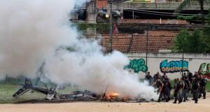 В Рио-де-Жанейро сбит вертолет с полицейскими.