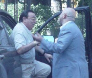 Дед Хасан - встречает чиновника