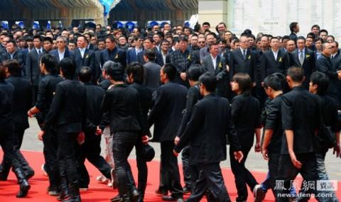 Фото похорон шефа тайваньской мафии
