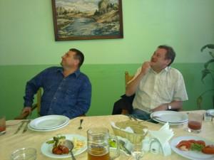 Оперативники Болмат и Бойко в кафе во время очередного сопровождения Андрея