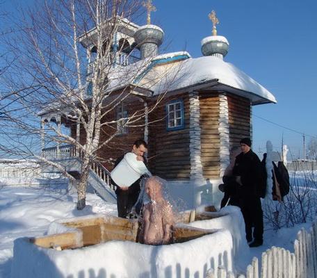 В мордовских колониях впервые 30 осужденных приняли участие в крещенских купаниях