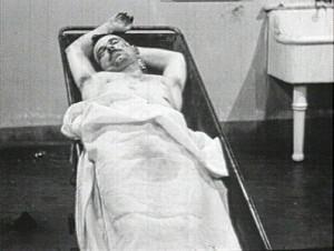 Тело Джона Диллинджера в морге