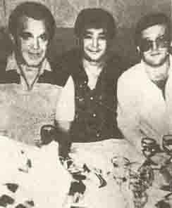 Слева: Иосиф Кобзон, в центре: Алимжан Тохтахунов (Тайванчик) и вор в законе Виктор Никифоров (Калина)