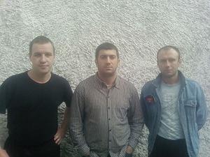 Вор в законе Ровшан Джаниев (в центре)