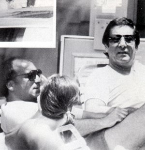 """Слева: Джозеф Д. Пистоне """"Донни Браско"""" Справа: Доминик Наполитано"""