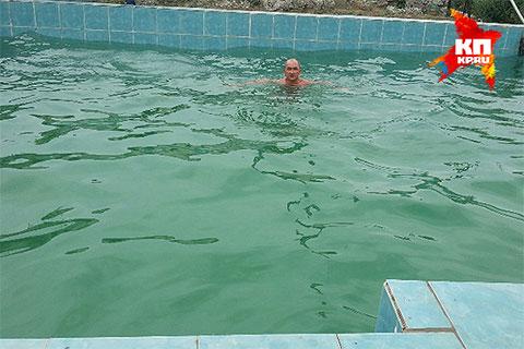 А вот бассейн - почти Турция.