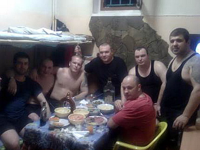 Подозреваемого в 60-ти убийствах лидера щелковской ОПГ объявили в розыск