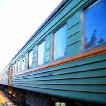 Пьяный железнодорожник стрелял в электричку из пневматики