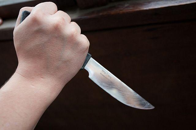 Ударившего учительницу ножом школьника положили в психиатрическую больницу